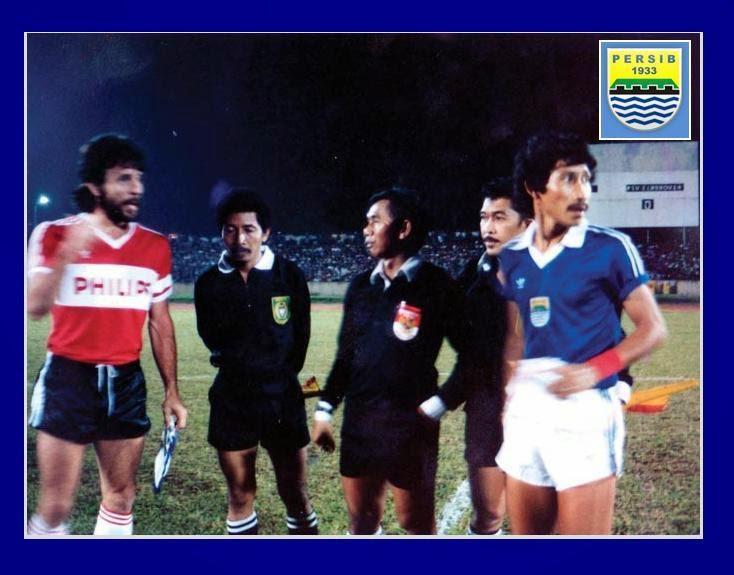 Adeng Hudaya dan Eric Gerets PSV Endihoven 1987