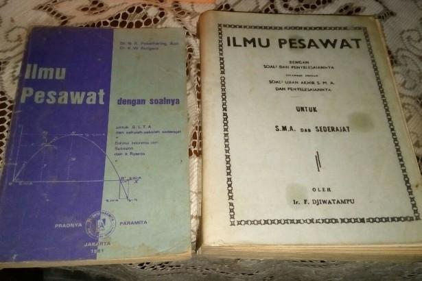 Ilmu Pesawat Djiwatampu dan Fisika Optik Wirayat.